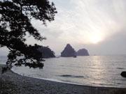 ホテル前の海岸.JPG